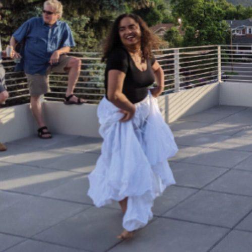 Dancer-with-white-dress-o